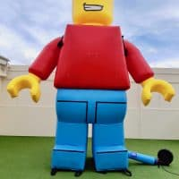 Bricks & Minifigs Inflatable Lego Man Boulder Blimp 2